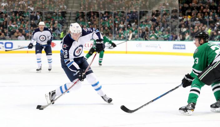 «Виннипег» переиграл «Даллас» вматче НХЛ