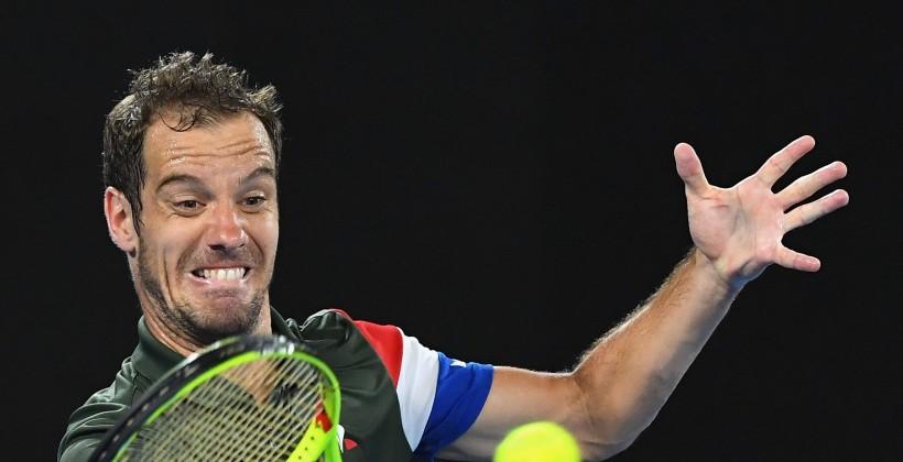 Цонга победил Медведева вчетвертьфинале Монпелье