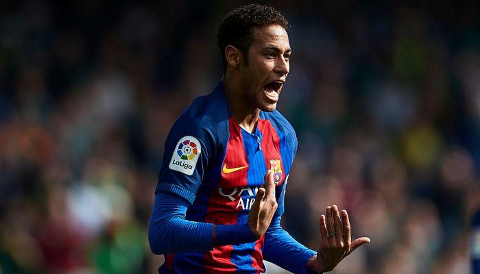 «Барселона» разгромила «Осасуну» иединолично возглавила Примеру