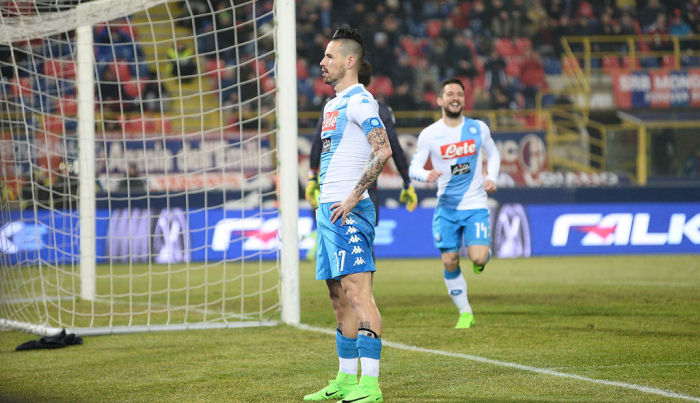 «Наполи» забил семь мячей «Болонье» впобедном матче чемпионата Италии пофутболу
