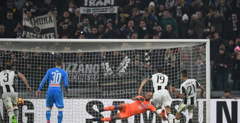 Ювентус победил Наполи впервом матче— Кубок Италии