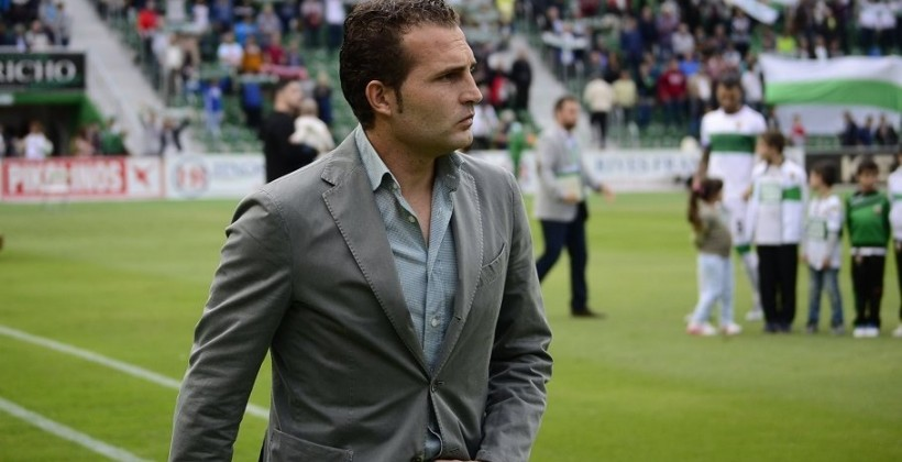 «Райо Вальекано» сократил основного тренера