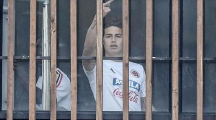 Игрок мадридского Реала продемонстрировал средний палец репортерам