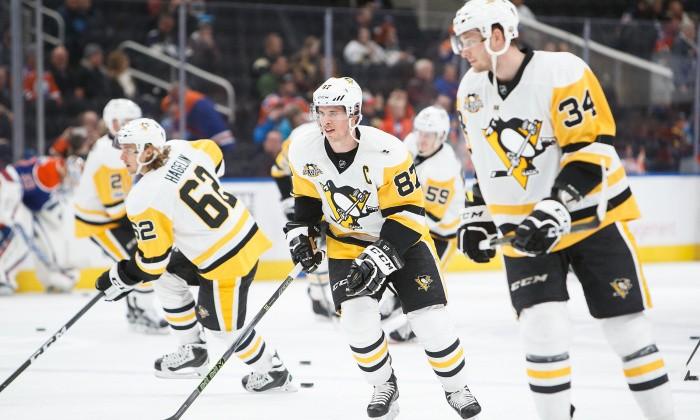 Вматче НХЛ звездный хоккеист лишился 2-х зубов после удара конкурента клюшкой