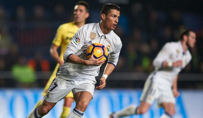 Дубль Бензема помог «Реалу» вгостях разгромить «Эйбар»