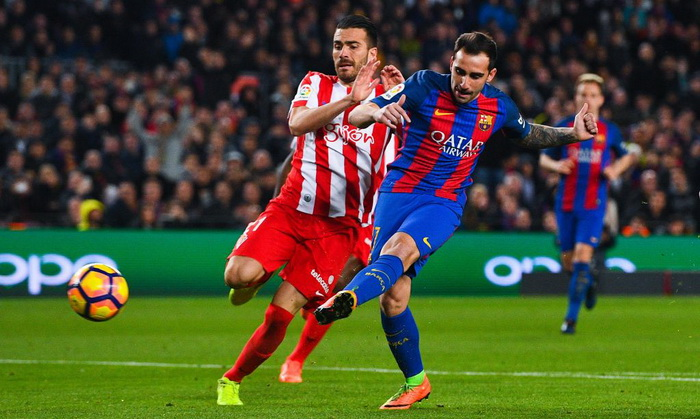 «Барселона» разгромила хихонский «Спортинг» ивозглавила таблицу Примеры