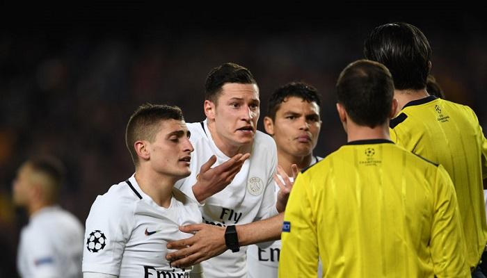Арбитр посылал матом игроков «ПСЖ» впроцессе матча с«Барсой»