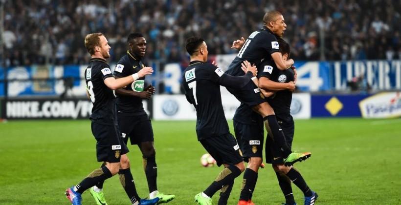 Кубок Франции. Монако вфеерическом матче выбил Марсель ивышел в1