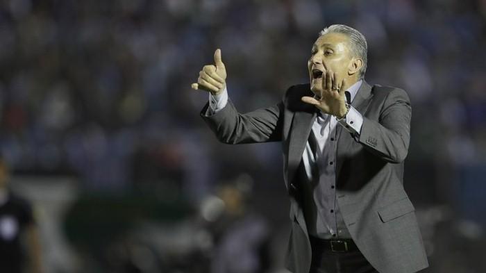 Сборная Бразилии разгромила уругвайцев иукрепила лидерство вотборочном турниреЧМ