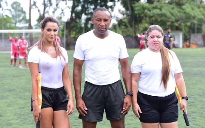 Cексуальная рефери отсудила матч без лифчика и в влажной футболке