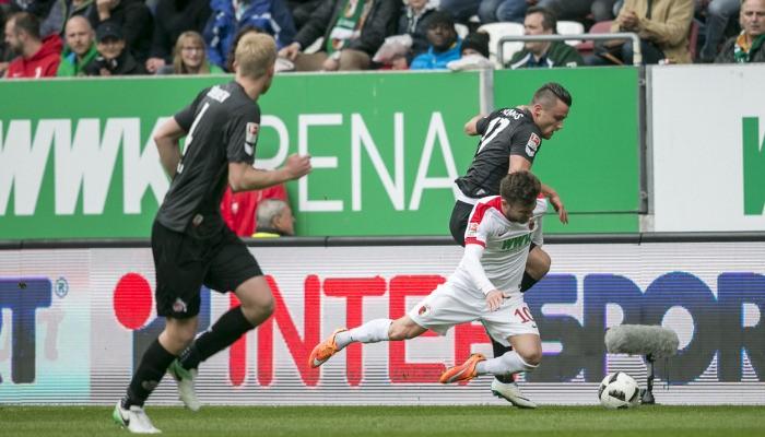 Кельн потерял очки в выездном матче с Аугсбургом