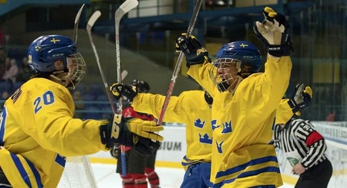 Юношеская сборная РФ похоккею вышла вполуфиналЧМ