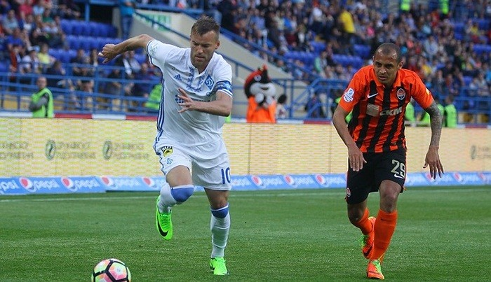 Дубль Ярмоленко принес Динамо победу над Шахтером