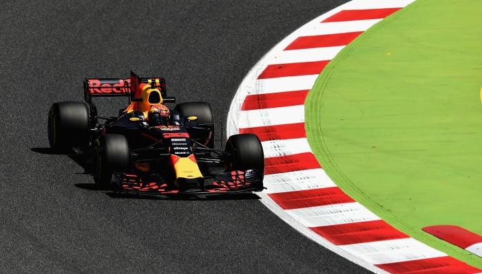 Formula-1: Льюис Хэмилтон возглавил протокол первой тренировки вБарселоне