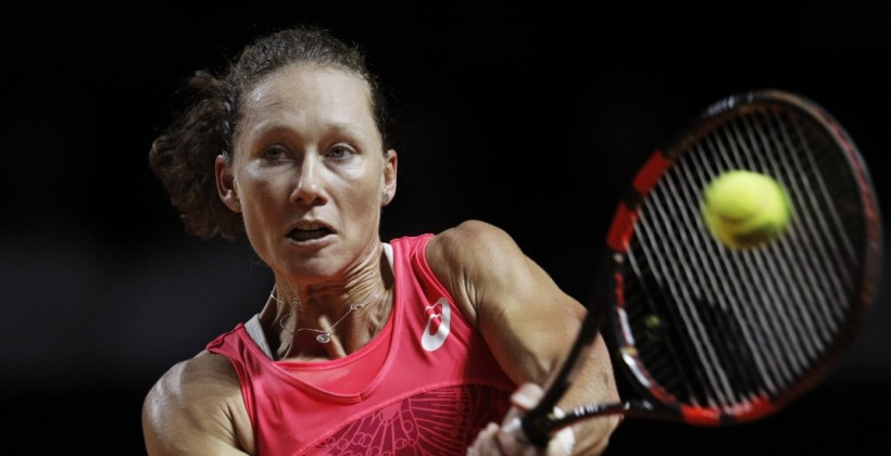 Суарес Наварро уступила Стосур вчетвертьфинале турнира вСтрасбурге