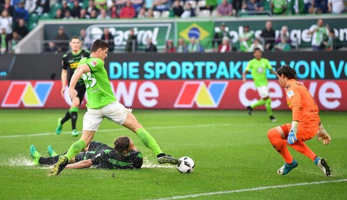 Вольфсбург ушел от поражения в матче с Боруссией М