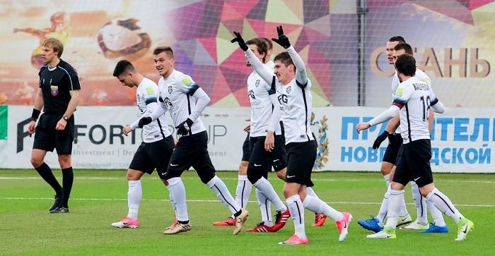 Футболисты «Тосно» впервый раз вывели клуб впремьер-лигу
