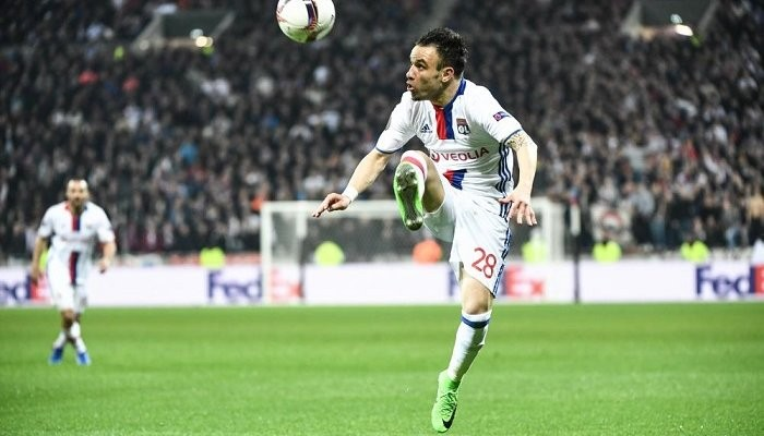 «Аякс» разгромил «Лион» впервом полуфинальном матче Лиги Европы
