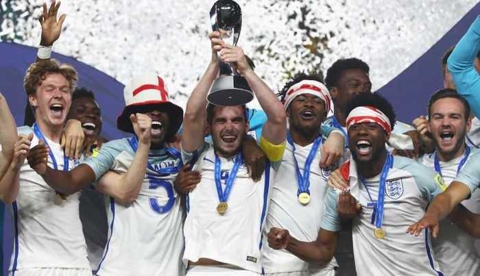 Молодежная сборная Британии выигралаЧМ пофутболу