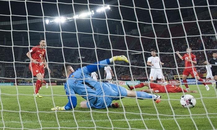 Испания на выезде обыграла Македонию