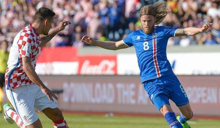 Исландия в концовке огорчила Хорватию