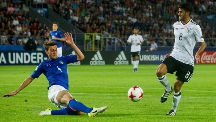 Италия обыграла Германию, обе команды вышли вполуфинал молодежного чемпионата Европы