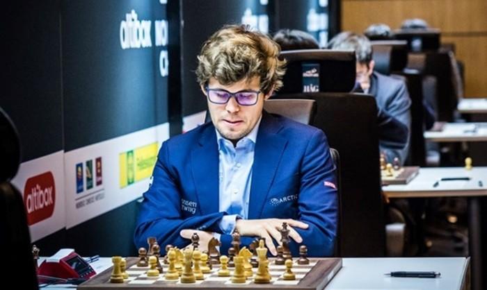 Крамник обыграл Ананда нашахматном супертурнире вСтавангере