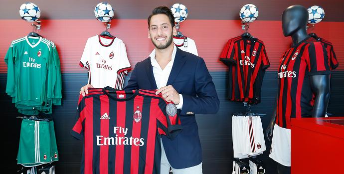 Милан объявил о трансфере Чалханоглу