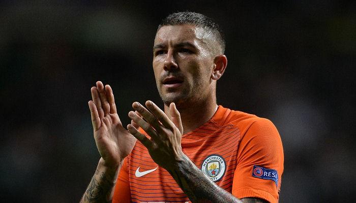 Манчестер Сити согласовал сМонако трансфер Менди за57,5млневро