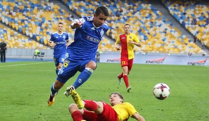 Динамо на своем поле разгромило Зирку