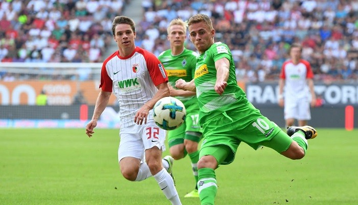 Боруссия М в концовке упустила победу над Аугсбургом