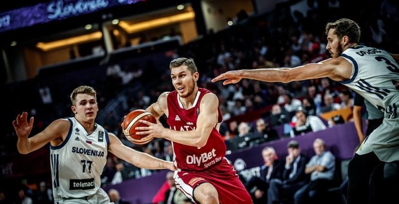 Словения вырвала победу уЛатвии вчетвертьфинале Евробаскета