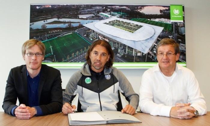 «Вольфсбург» отправил вотставку основного тренера Андриса Йонкера