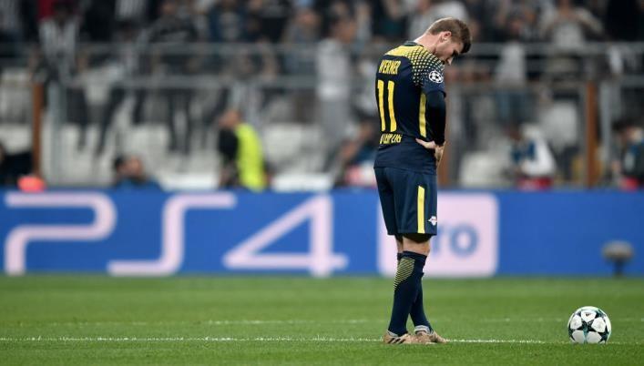 Германский футболист был заменён из-за звука трибун