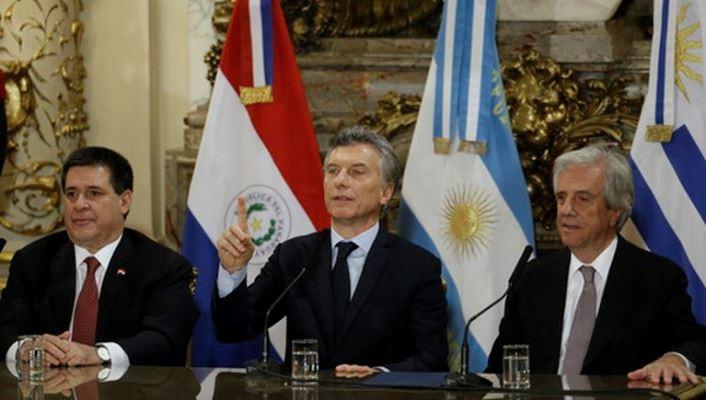 Аргентина, Уругвай иПарагвай объявили осовместной заявке напроведениеЧМ