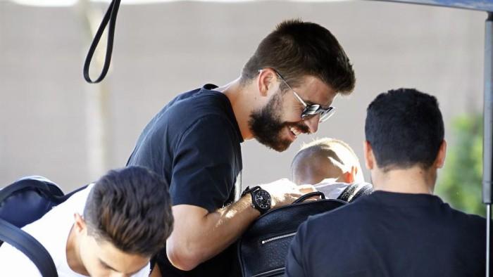 Болельщики сорвали тренировку сборной Испании пофутболу из-за каталонца Жерара Пике