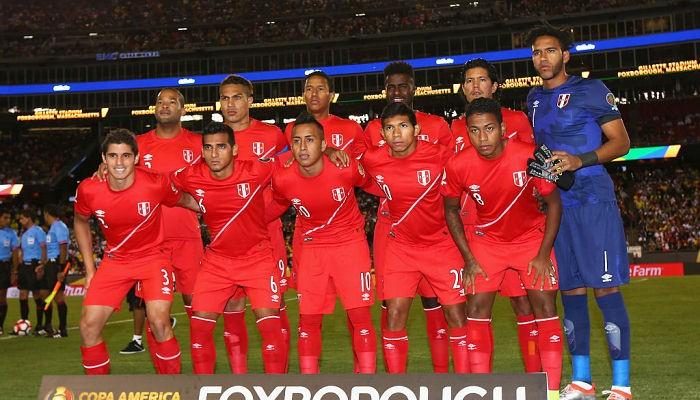 Из-за сомнения отравления сборная Перу поедет вАргентину сосвоей водой