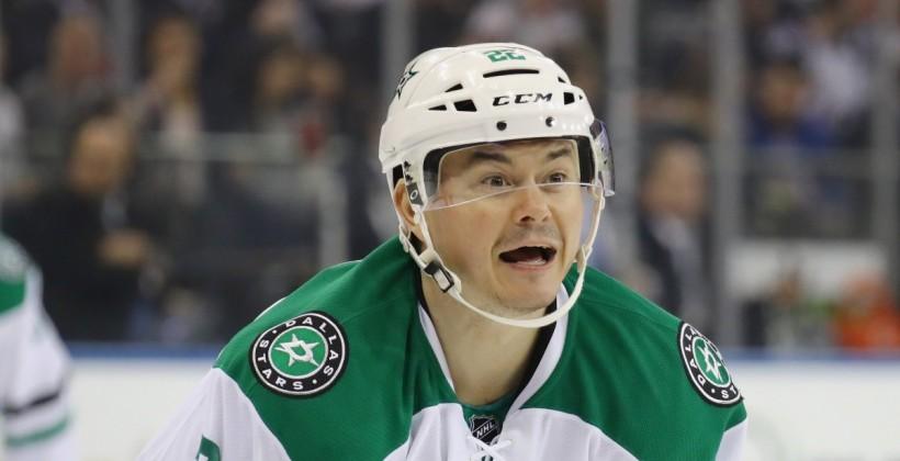 Экс-игрок НХЛ Иржи Гудлер устроил скандал всамолёте, угрожая уничтожить стюарда