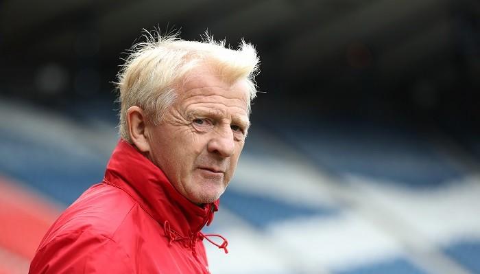 Сборная Шотландии осталась без основного  тренера