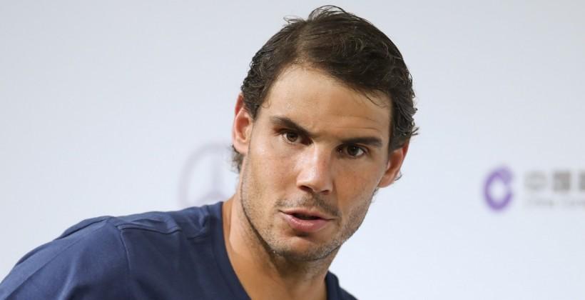 Лучший теннисист мира требует отминистра спорта Франции 100 тыс. евро