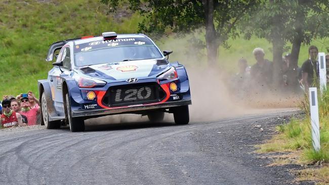 Невиль выиграл финальный этап сезона WRC