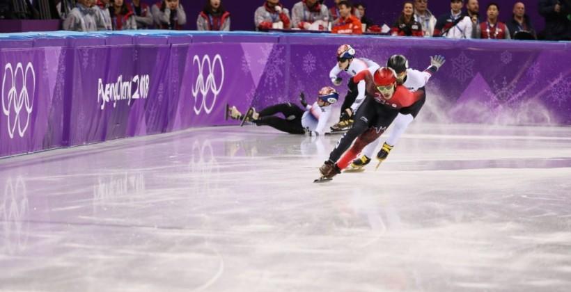 Тройное падение на последнем круге не помешалу канадцу Жирару выиграть 1000 м в шорт-треке