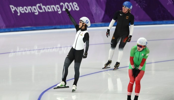 Японка Такаги выиграла масс-старт в конькобежном спорте