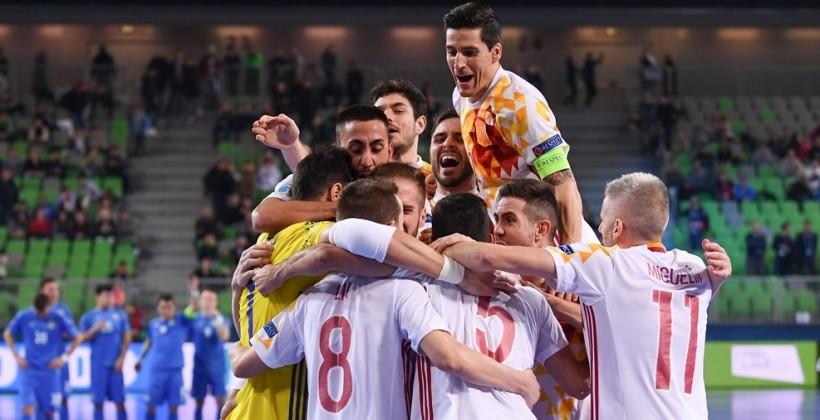 Испания в серии пенальти обыграла Казахстан и вышла в финал футзального Евро