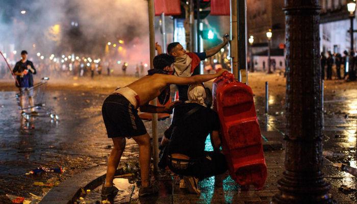 Париж беспорядки Франция чемпион мира 2018
