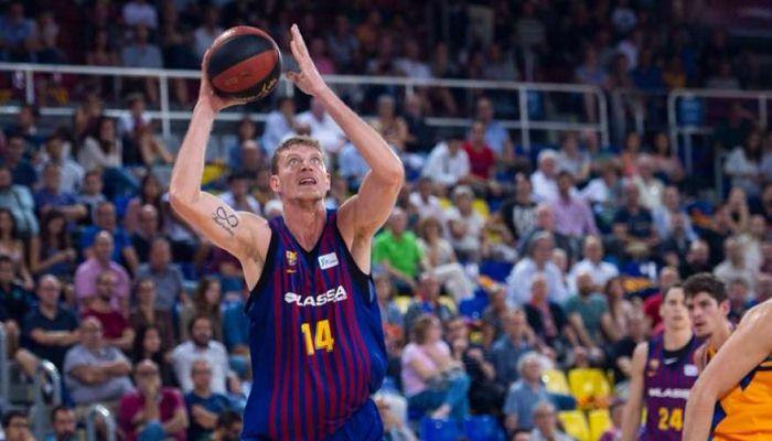 Барселона может отдать Пустового в аренду