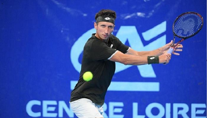 Стаховский снялся с квалификации турнира ATP в Анталье