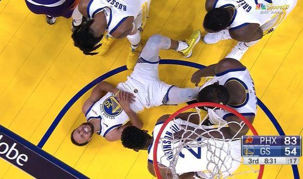 """НБА день за днём: 30 октября — самая большая потеря """"Воинов"""", драка пары центровых, рекорды в Вашингтоне с трипл-даблом от Уэстбрука, спитч Кайри, триумфальное возвращение Сви"""