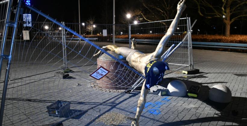 Статую Ибрагимовича в Мальме перенесут в другое место из-за постоянного вандализма