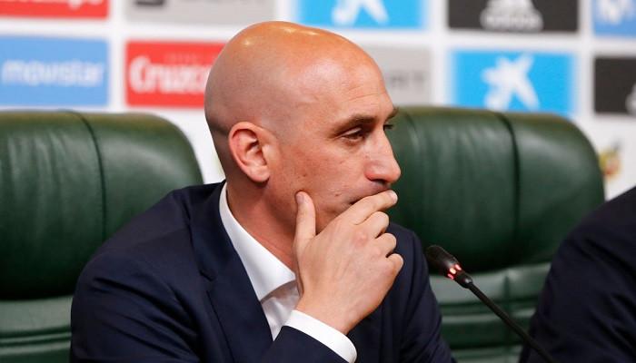 Президента испанской федерации футбола Рубиалеса вызвали в суд из-за подделки документа
